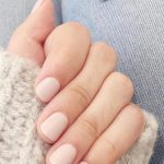 How to Remove a No-Chip Manicure at Home | The Everygirl