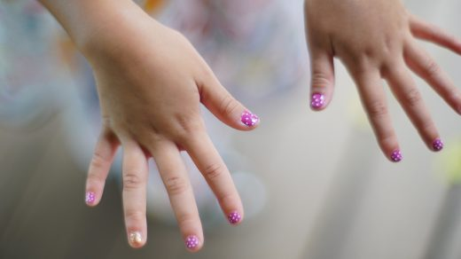 11 Best Non-Toxic Nail Polish For Kids & Babies, Mom-Approved 2021