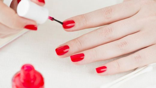 How to Paint Your Own Nails With Your Non-Dominant Hand — Expert Advice |  Allure